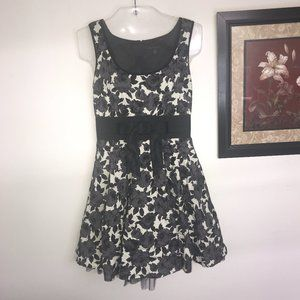 City Triangles Formal Dress Juniors Size 9